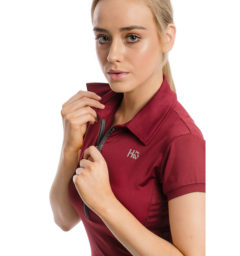 Orla Technical Polo Summer Berry, detail view