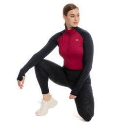 CKHCTA-BPSB-Thea-Tech-Quarter-zip-spiced-berry-navy-kneeling-studio-shot